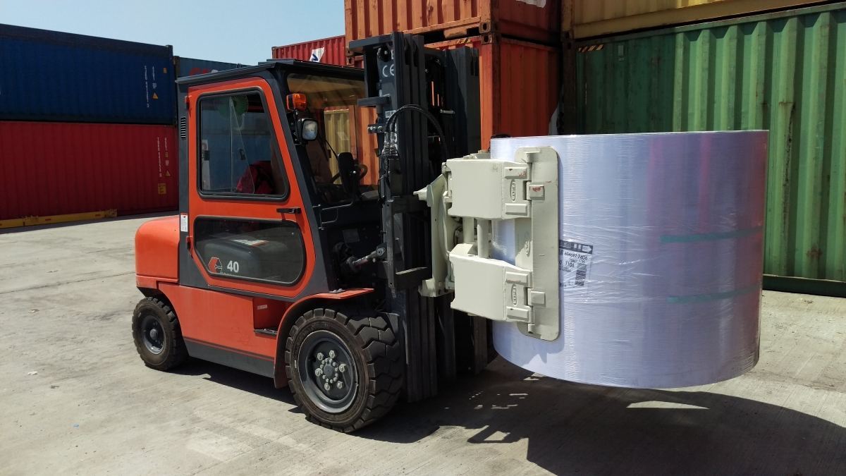 Forklift with Clamps for Paper Rolls